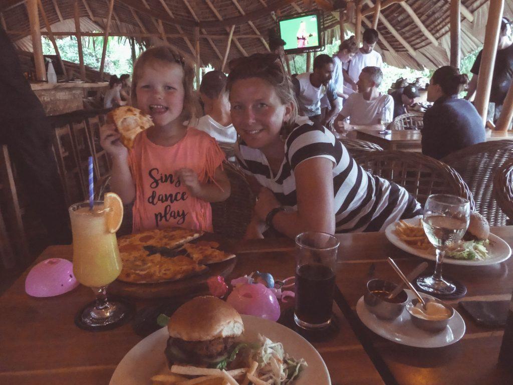 Sri Lanka met kids