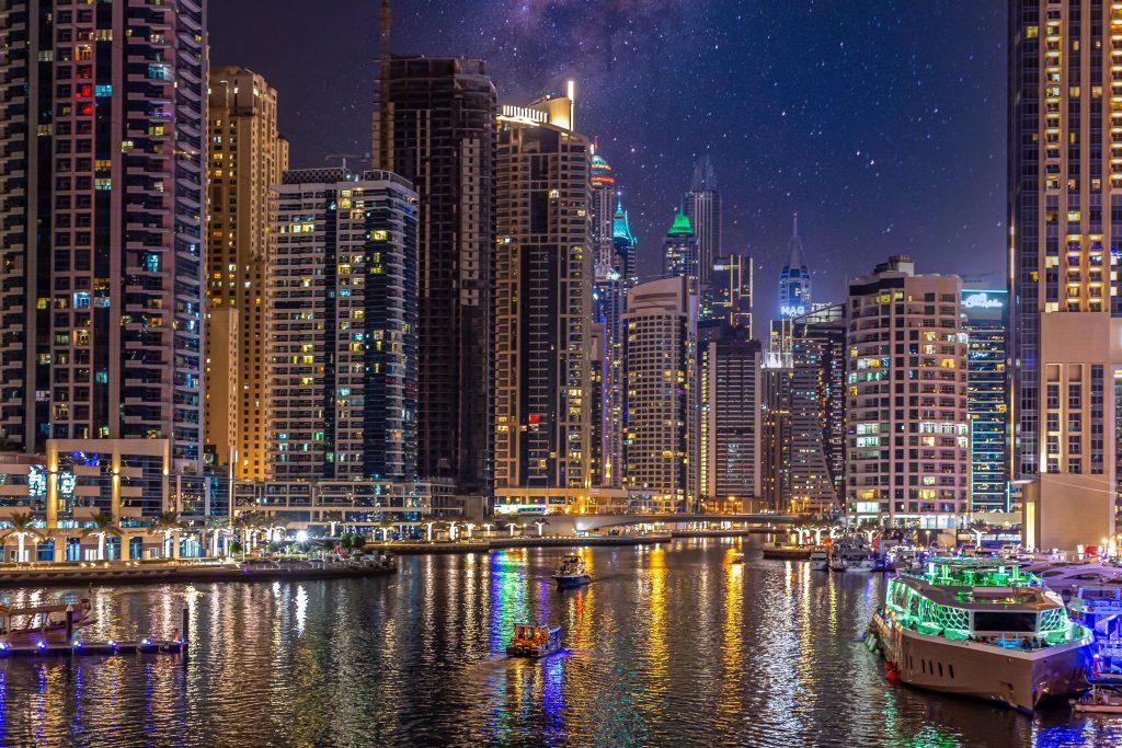 Dubai avond met gezin