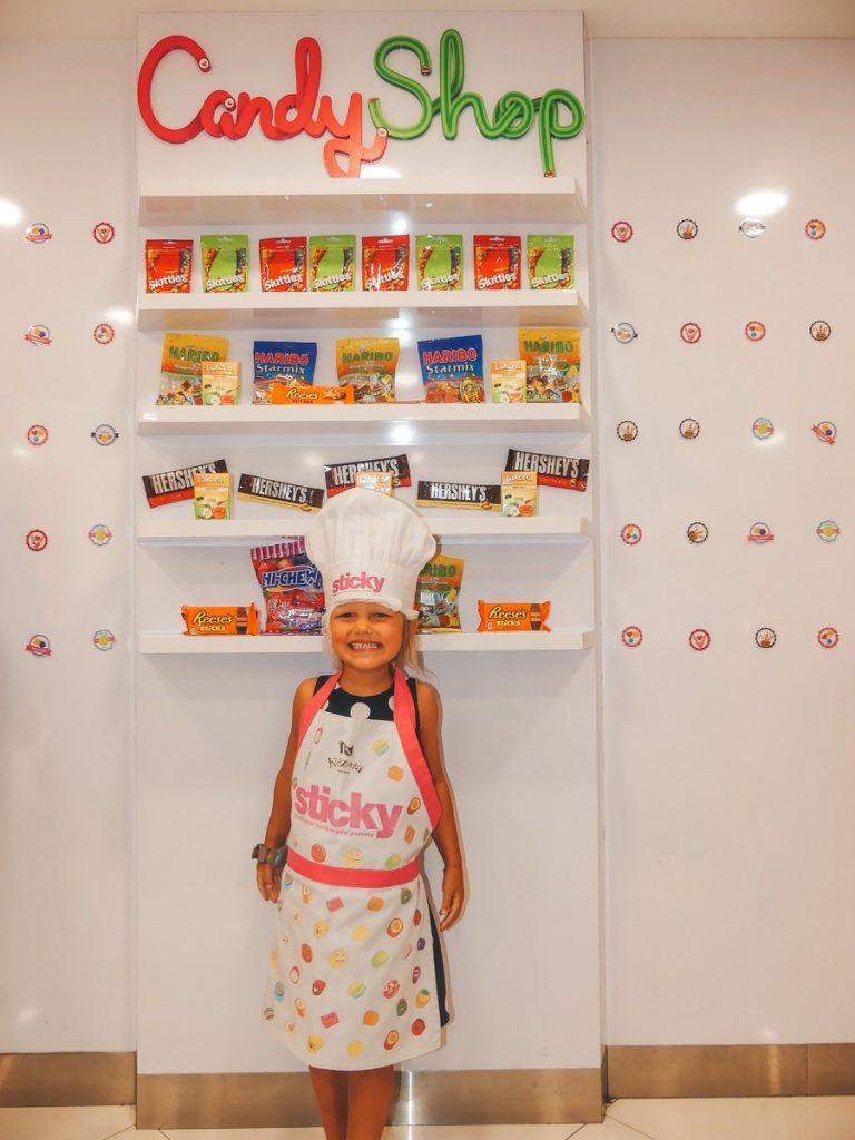 Kidzania Singapore met gezin en kind