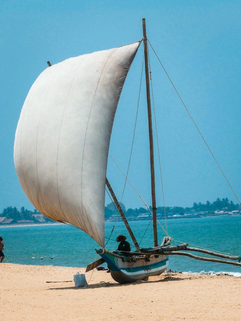 Strand Negombo Sri Lanka met gezin