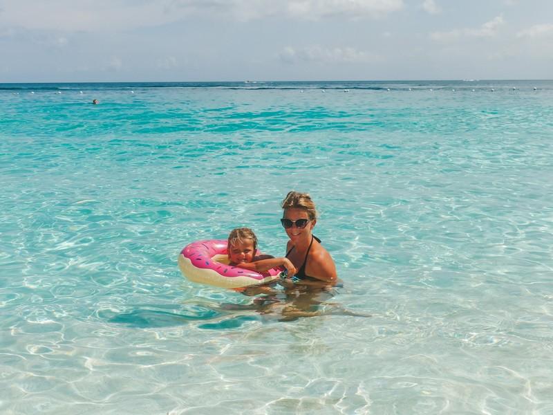 Bahamas rondreis strand gezin