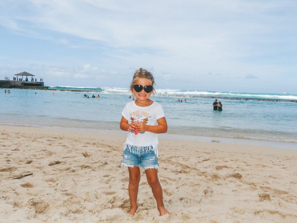 Hawaii strand met gezin