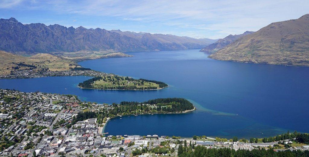 Lake Wakatipu met kinderen en gezin Nieuw Zeeland