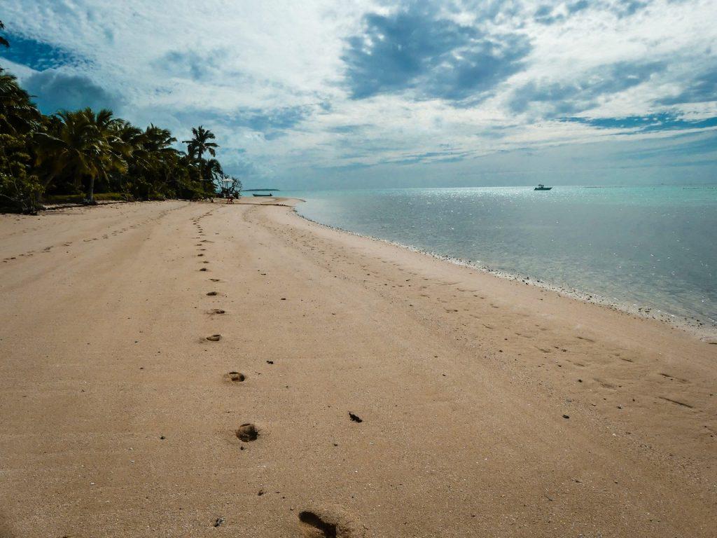 Tonga witte stranden met kinderen en gezin