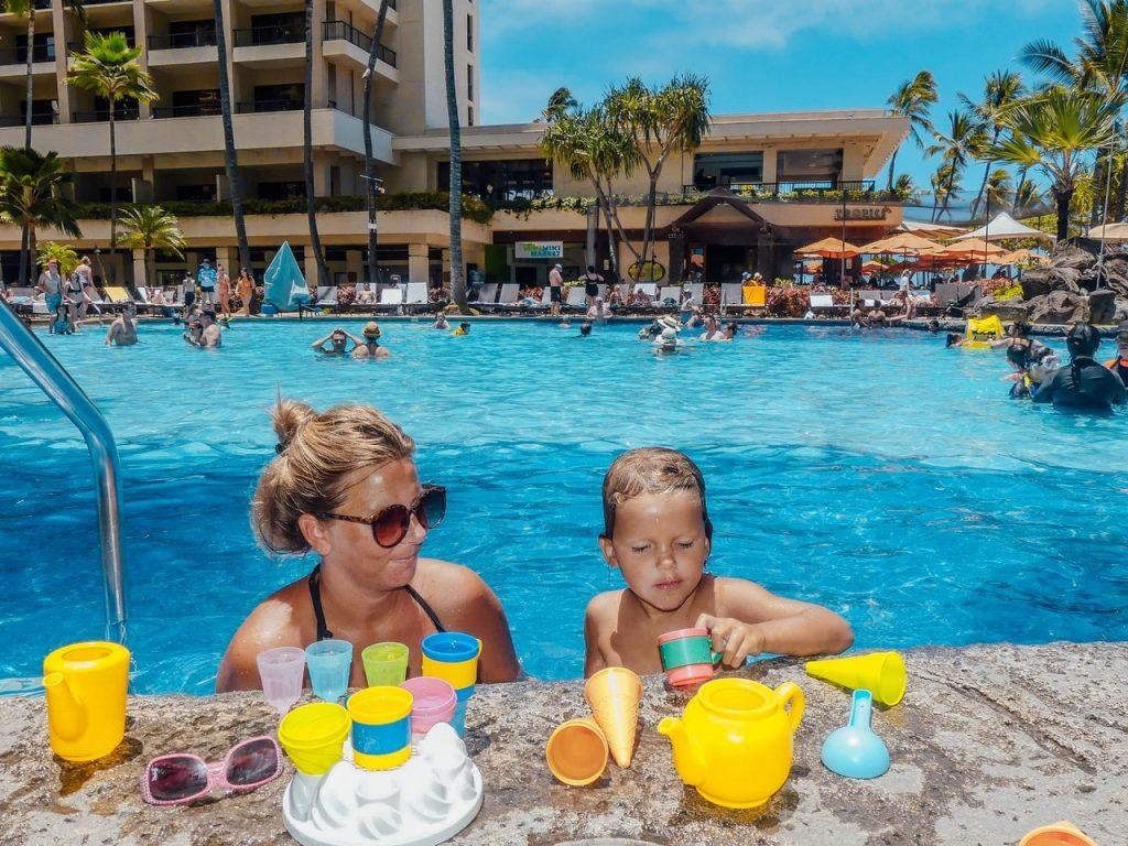 Zwembad Hawaii met kinderen en gezin