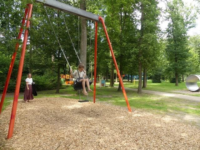Steinerbos met kinderen