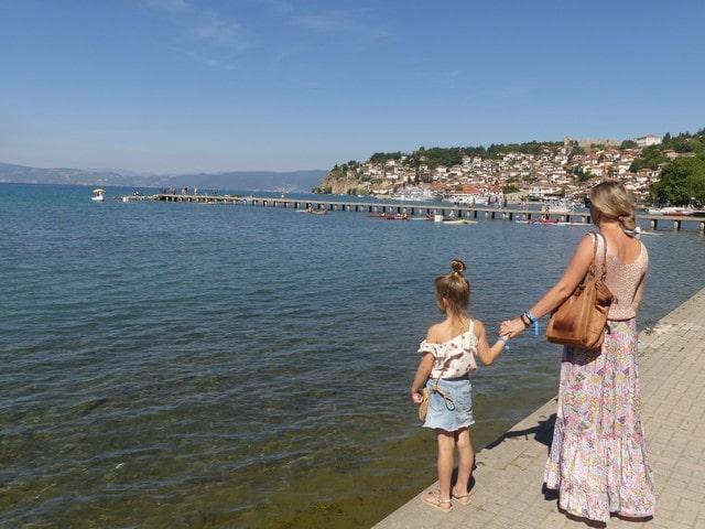 Meer van Ohrid met kinderen