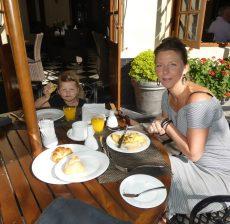 Ontbijten Grand Hotel Nuwara Eliya met kinderen